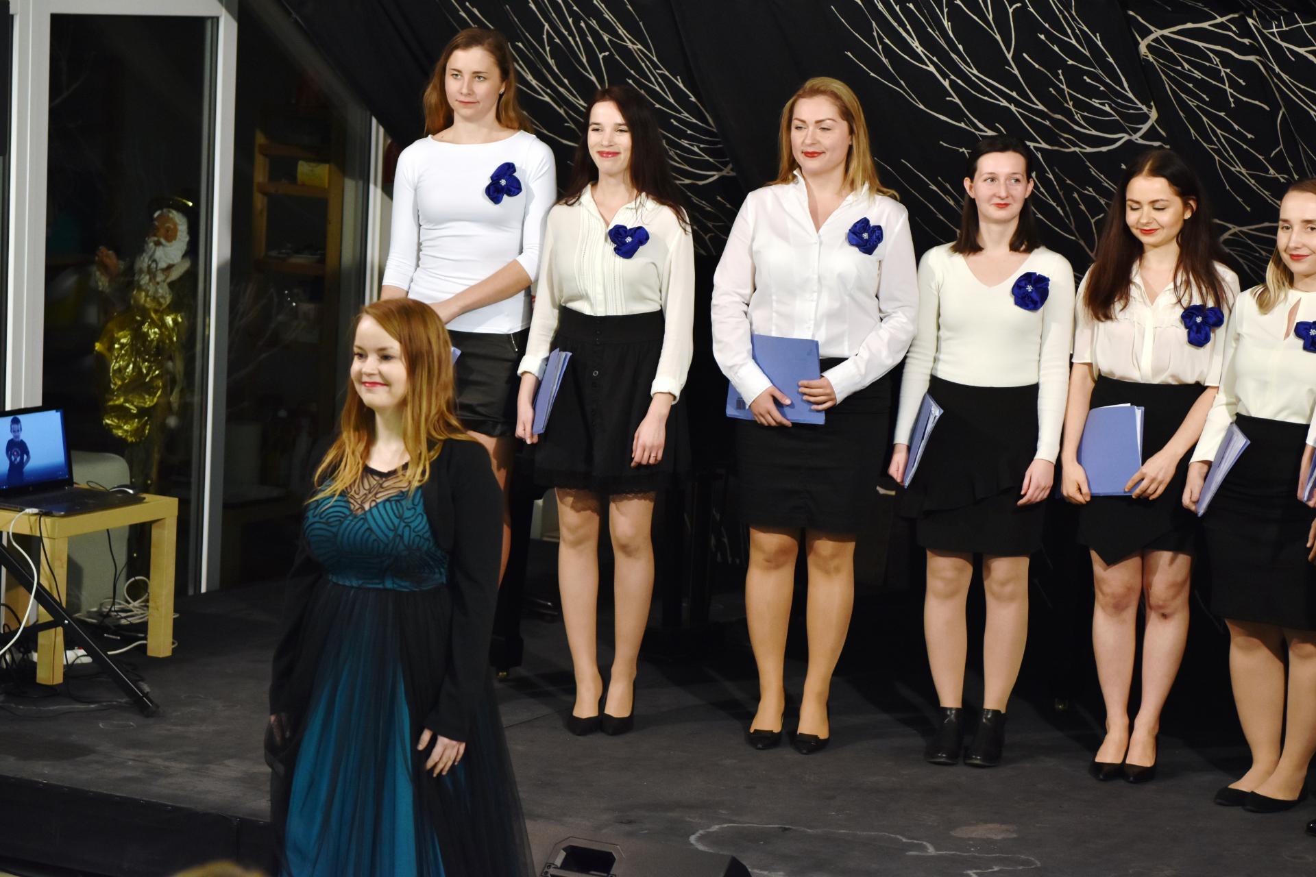 Benefičný vianočný koncert zboru The Chamber Choir  b3b53935b08