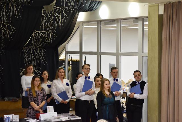 ... zboru The Chamber Choir pod dirigentskou taktovkou Moniky Lukáčovej 287c1245db1